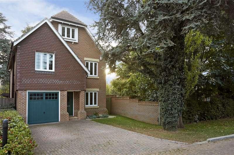 5 Bedrooms Detached House for sale in Poplar Close, Epsom, Surrey, KT17