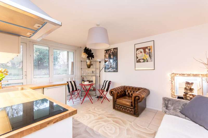 2 Bedrooms Flat for sale in Oman Avenue, Gladstone Park, NW2
