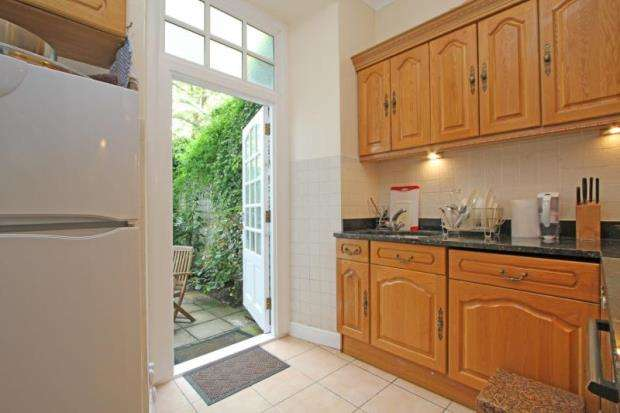 2 Bedrooms Apartment Flat for sale in Fernshaw Mansions, Fernshaw Road, Chelsea, London, SW10