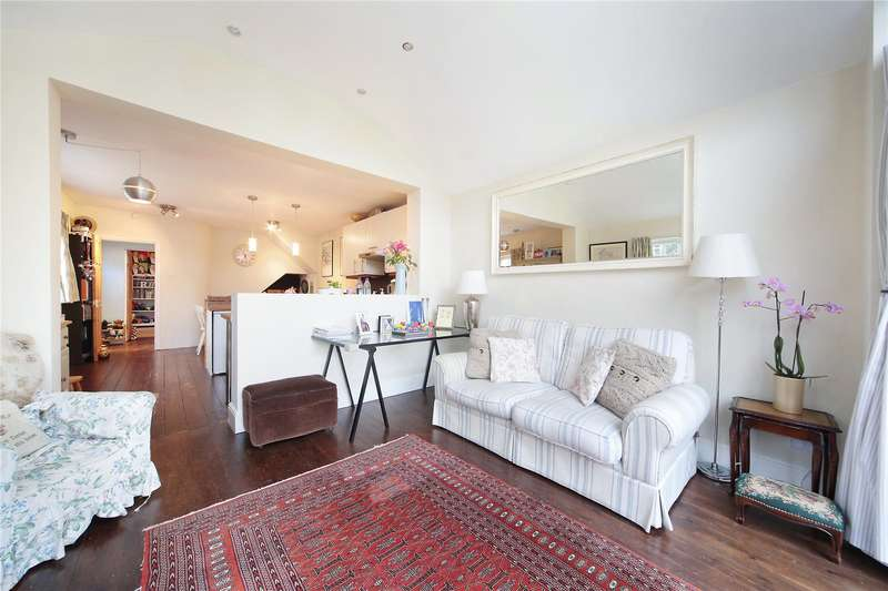 2 Bedrooms Maisonette Flat for sale in Moring Road, Tooting, London, SW17