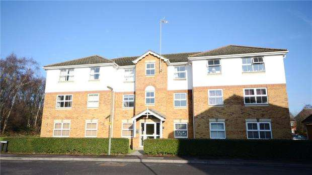 1 Bedroom Apartment Flat for sale in Vickers Road, Ash Vale, Surrey