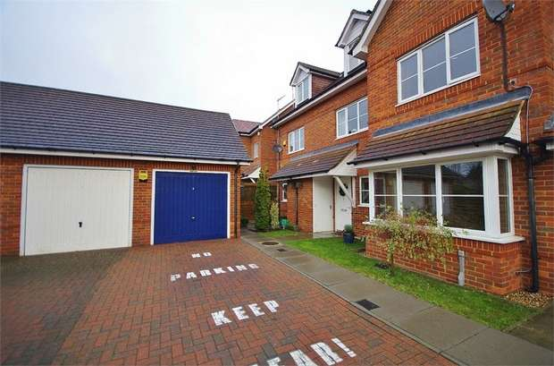 3 Bedrooms Semi Detached House for sale in Ashwell Place, WATFORD, Hertfordshire
