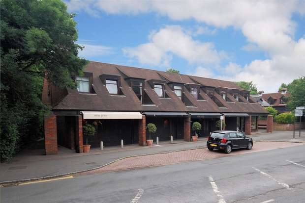 3 Bedrooms Flat for sale in The Tanyard Tring Road, Wendover, Buckinghamshire