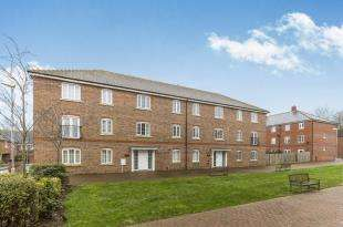 2 Bedrooms Flat for sale in Kew House, The Boulevard, Tangmere, Chichester