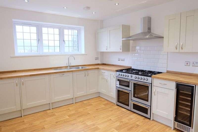 3 Bedrooms Semi Detached House for sale in Woodlands Park, Joydens Wood