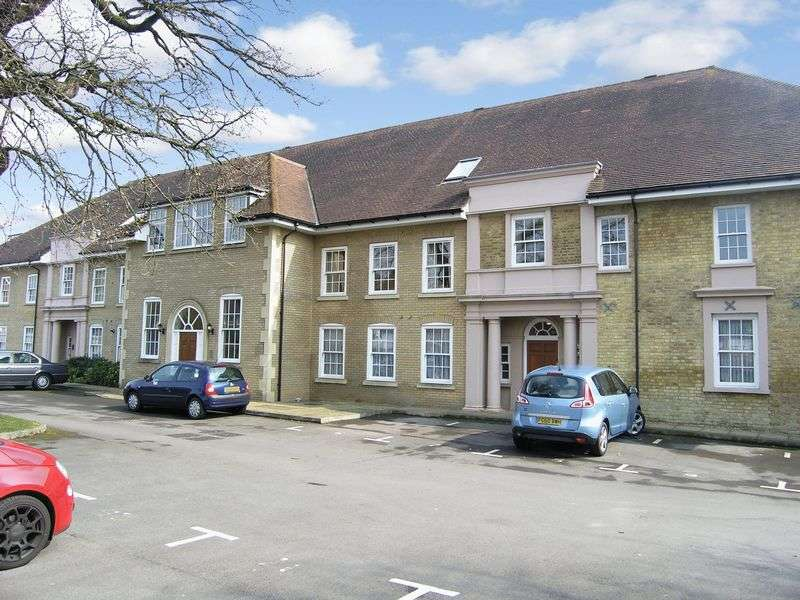 2 Bedrooms Flat for sale in Banstead