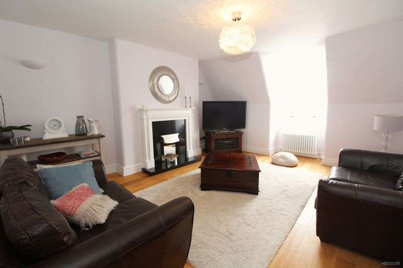 3 Bedrooms Flat for sale in Kents Road, Torquay