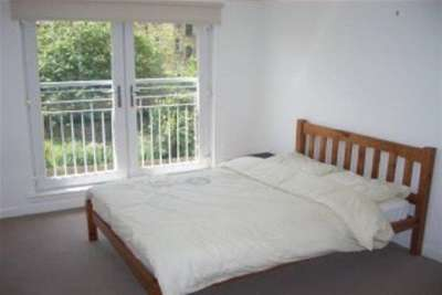 2 Bedrooms Flat for rent in Alexandra Parade, Dennistoun,G31
