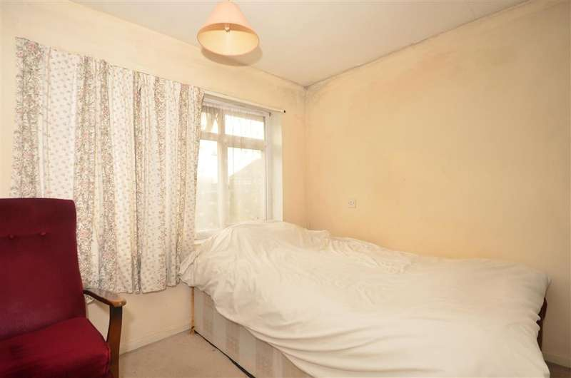 3 Bedrooms End Of Terrace House for sale in Cheriton High Street, Folkestone, Kent