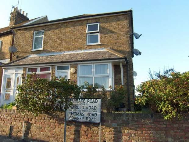 2 Bedrooms End Of Terrace House for sale in Murston Road, Sittingbourne, Kent