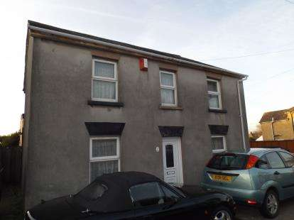 3 Bedrooms Detached House for sale in Parkstone, Poole