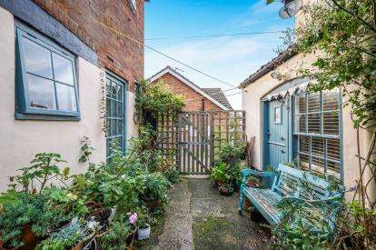 1 Bedroom End Of Terrace House for sale in Halesworth, Suffolk