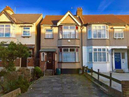 House for sale in Hainault, Ilford, Essex