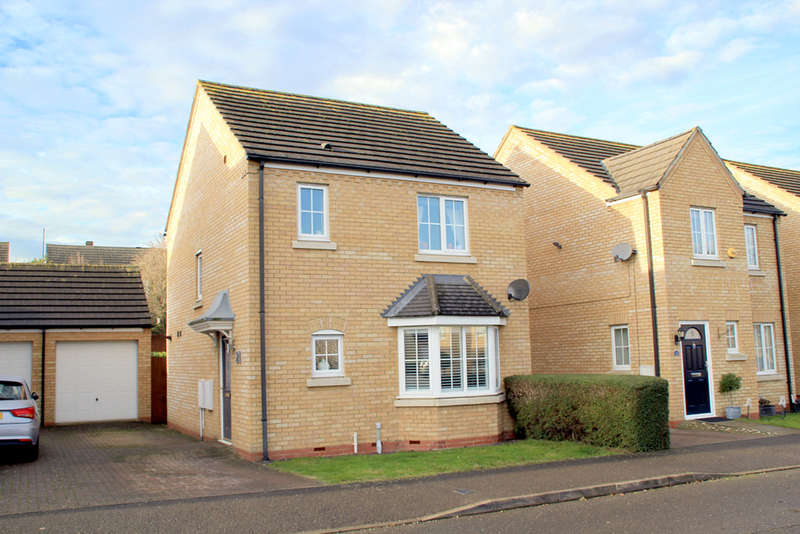 3 Bedrooms Detached House for sale in Siskin Close, Royston