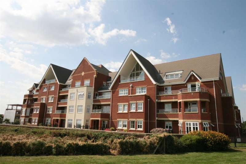 3 Bedrooms Flat for sale in 14 The Breakers, Lytham Quays, Lytham