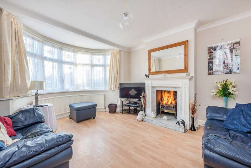 3 Bedrooms House for sale in Queens Walk, Harrow, HA1