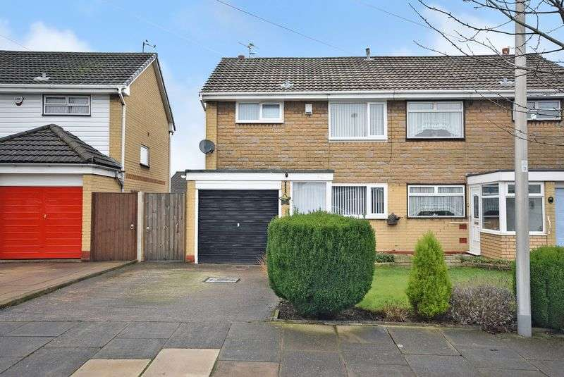3 Bedrooms Semi Detached House for sale in Wenger Road, Widnes