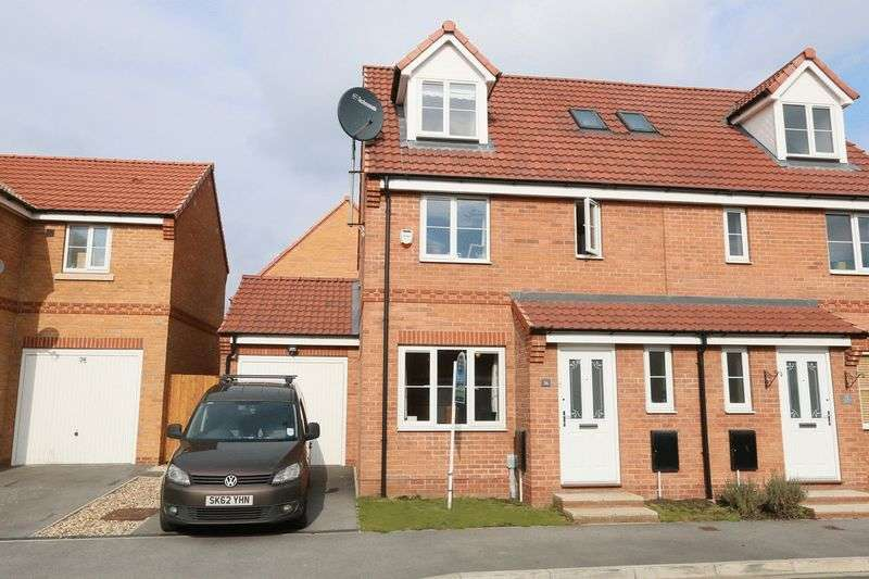 4 Bedrooms Semi Detached House for sale in Hyde Park Road, Kingswood