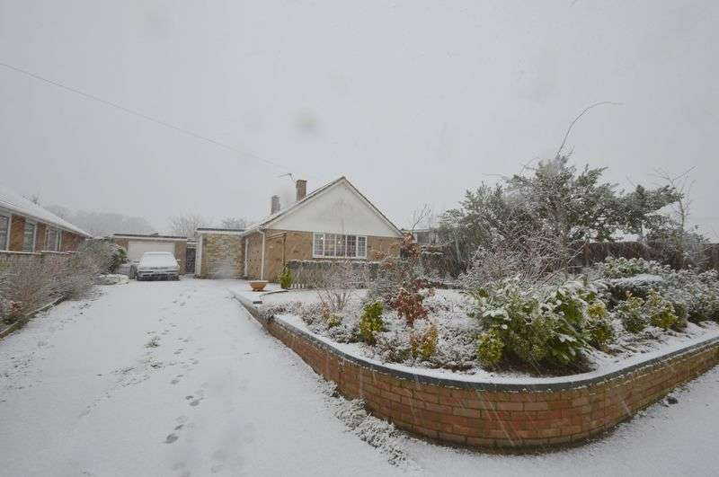 3 Bedrooms Detached Bungalow for sale in Chapel Road, New Costessey, Norwich