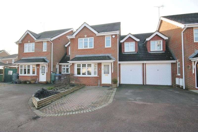 3 Bedrooms Detached House for sale in Foxglove Close, Burgess Hill, West Sussex