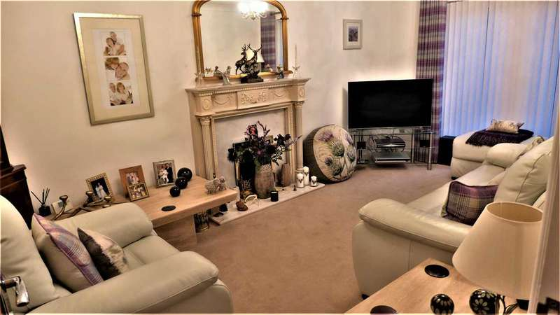3 Bedrooms Detached House for sale in Dent Dale, Accrington