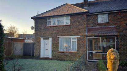 2 Bedrooms Semi Detached House for sale in Repton Road, Orpington, Kent