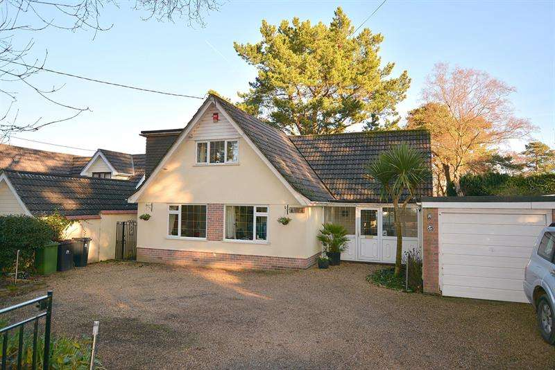 5 Bedrooms Chalet House for sale in Pinewood Road, Ferndown