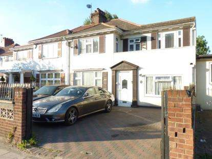 6 Bedrooms Semi Detached House for sale in Langdale Gardens, Perivale, Greenford