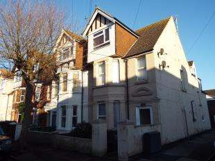 2 Bedrooms Flat for sale in Quested Road, Folkestone, Kent, England