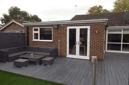 3 Bedrooms Bungalow for sale in Merlay Drive, Dinnington, Newcastle Upon Tyne, Tyne and Wear, NE13