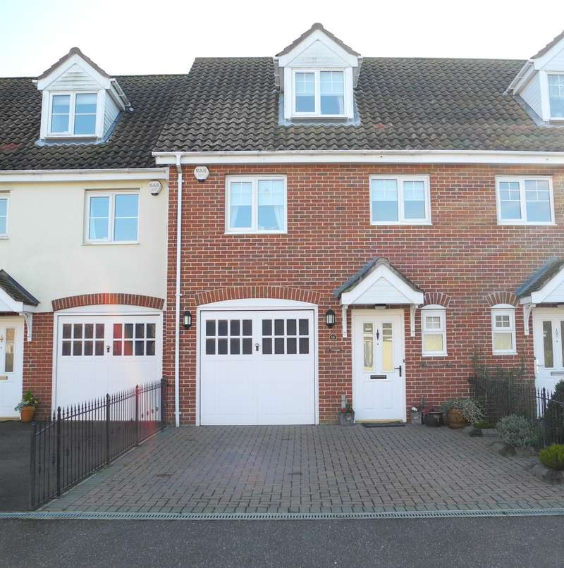 3 Bedrooms Semi Detached House for sale in Heritage Green, Kessingland, Lowestoft
