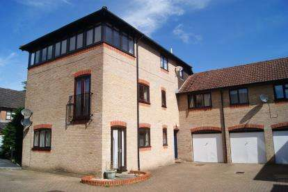 Flat for sale in Fordingbridge, Hampshire