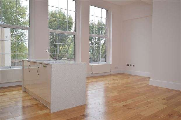 2 Bedrooms Flat for sale in Plot 1, Abbey Square, Gander Lane, Tewkesbury, Glos, GL20 5PG