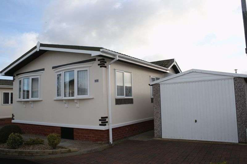 2 Bedrooms Bungalow for sale in 36 Willowgrove Park, Preesall, Poulton-Le-Fylde, Lancashire, FY6 0EH