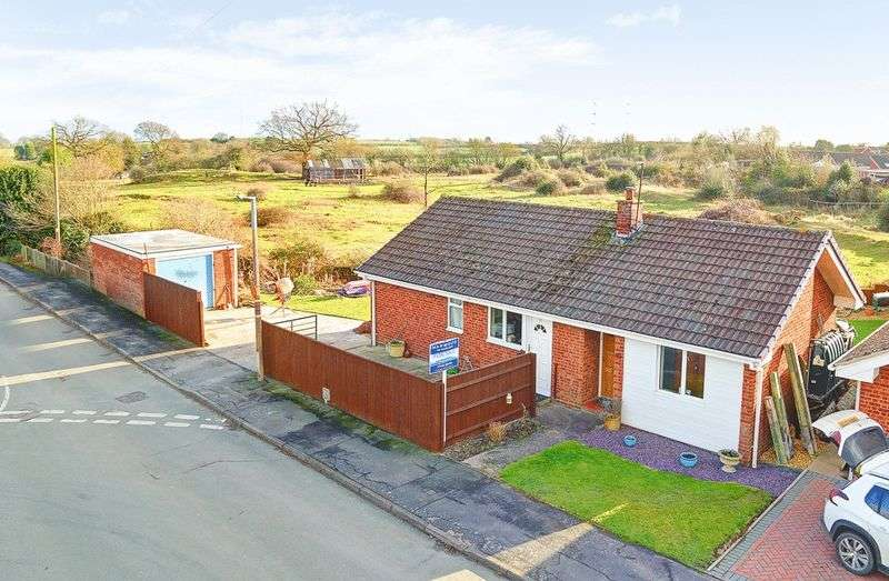 3 Bedrooms Detached Bungalow for sale in Collins Close, Broseley