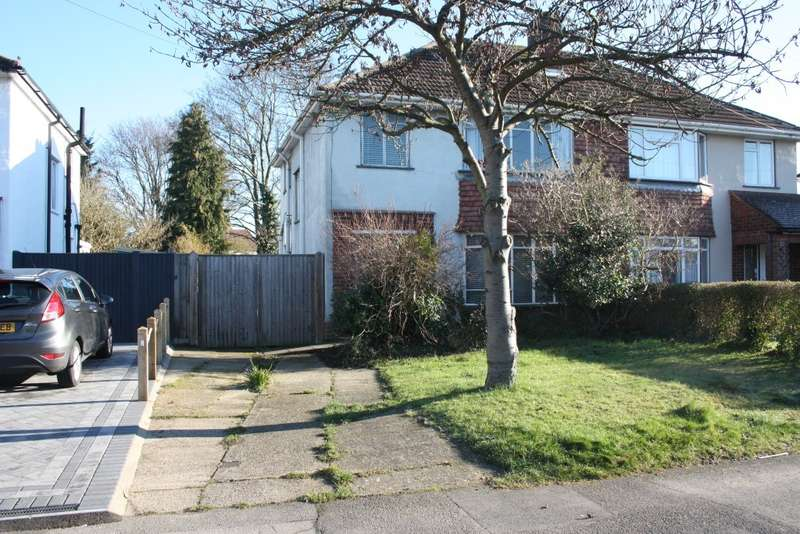3 Bedrooms Semi Detached House for sale in Haddon Drive, Woodley, Reading, RG5
