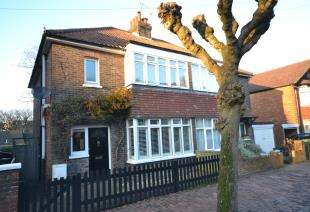 3 Bedrooms Semi Detached House for sale in Hopwood Gardens, Tunbridge Wells, Kent