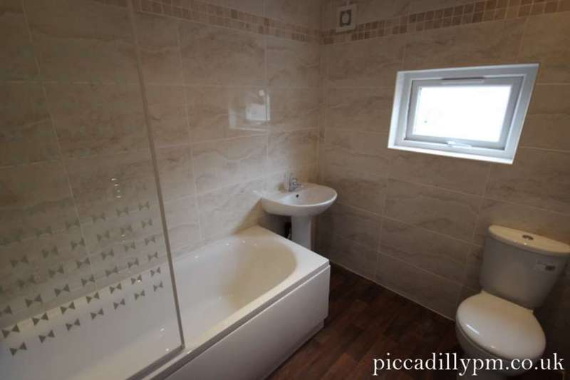 5 Bedrooms House for rent in Oxney Road, Rusholme, Manchester M14 5SZ
