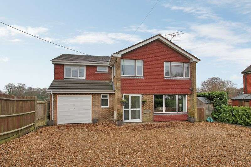 5 Bedrooms Detached House for sale in Borers Arms Road, Copthorne, West Sussex