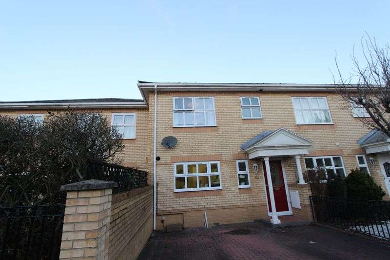 3 Bedrooms Terraced House for sale in Banister Park