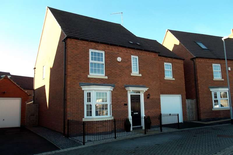 4 Bedrooms Detached House for sale in Hobben Crescent, Hucknall