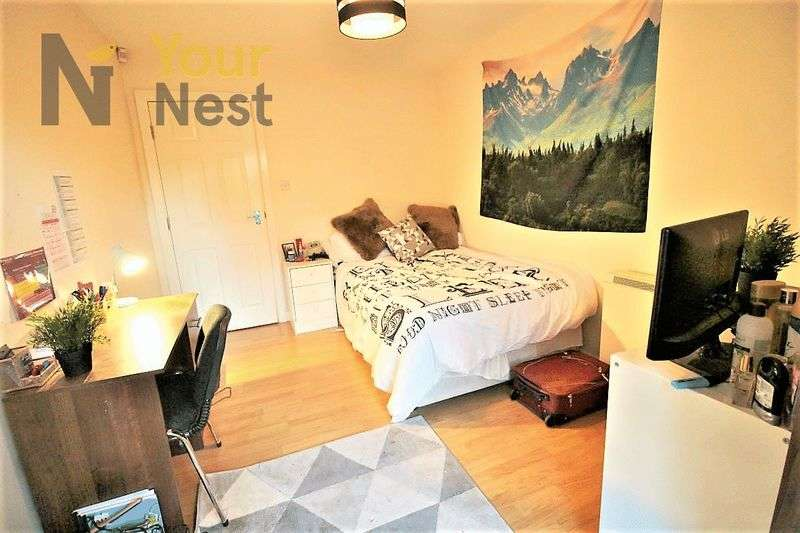 6 Bedrooms Flat for rent in Flat 1, Cardigan road, Hyde Park