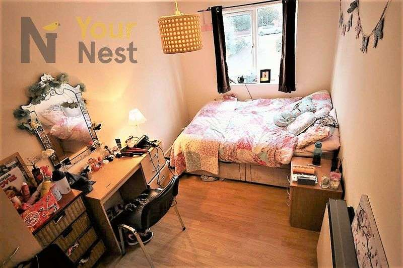 6 Bedrooms Flat for rent in Flat 3, Cardigan road, Hyde Park