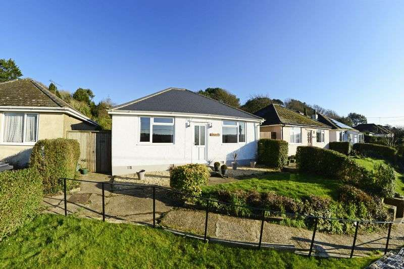 2 Bedrooms Detached Bungalow for sale in Lulworth Road, Wool, BH20.