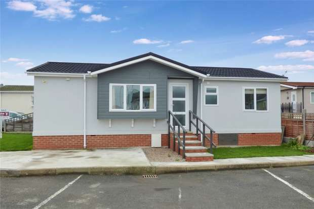 2 Bedrooms Park Home Mobile Home for sale in Mill Farm Park, Bulkington, Warwickshire
