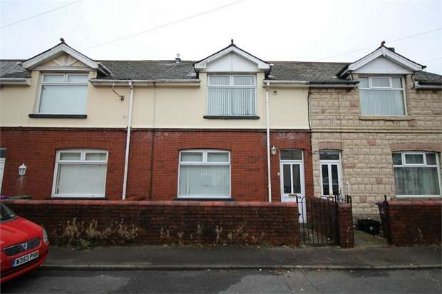 3 Bedrooms Terraced House for sale in Commercial Close, Talywain, PONTYPOOL