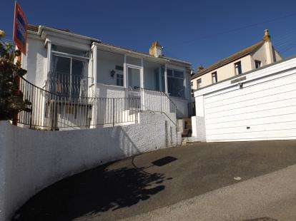 3 Bedrooms Bungalow for sale in Gloucester Place, Newlyn, Penzance, Cornwall