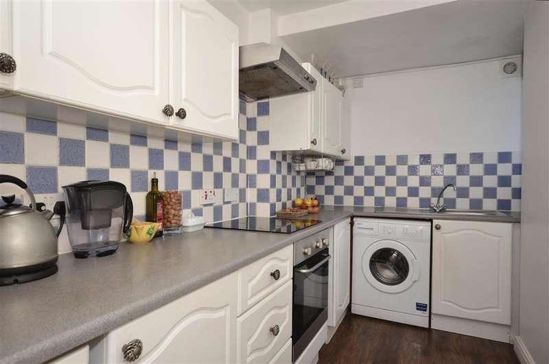 1 Bedroom Ground Maisonette Flat for sale in Kingston Road, Leatherhead, Surrey