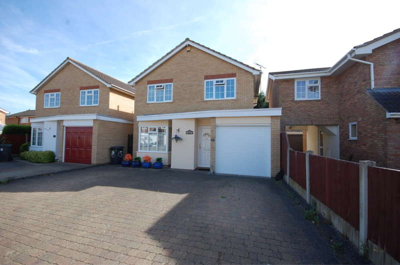 4 Bedrooms Detached House for sale in Kelvedon Close, Chelmsford, CM1