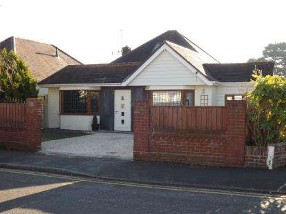 5 Bedrooms Bungalow for sale in Wick, Bournemouth, Dorset